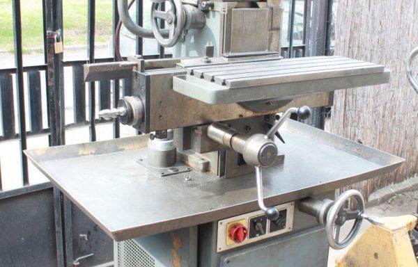Aciera F3 szerszám marógép