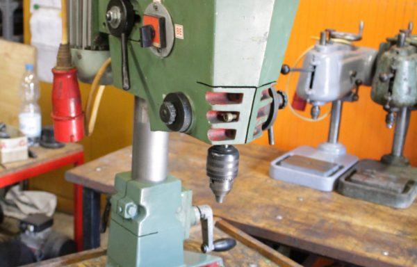 DAF 16 asztali oszlopos fúrógép